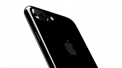Apple iPhone 7 128GB Jet Black (Чёрный оникс)